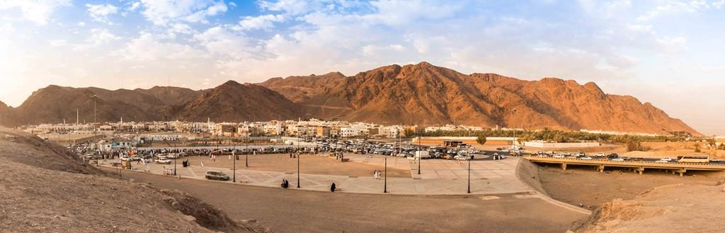 picture of Mount Uhud