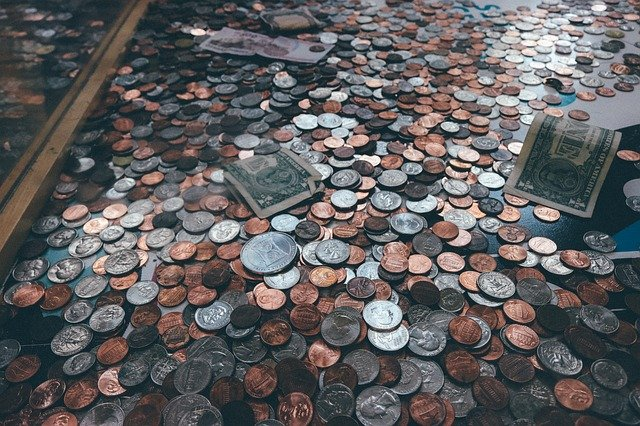 giving money in charity (sadqah)